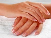 Кровь, кислота и сало – для омоложения кожи рук