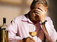 Почему так сложно заставить близкого человека бросить пить?